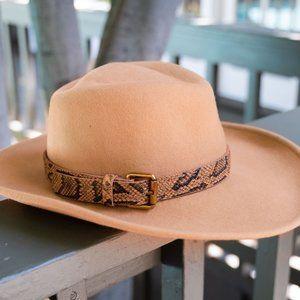NWOT POL Fedora Hat W/Faux Snake Belt 100% wool